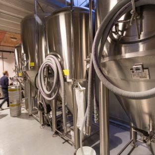 Verdugo West Brewing Company – Brewery & Tap House